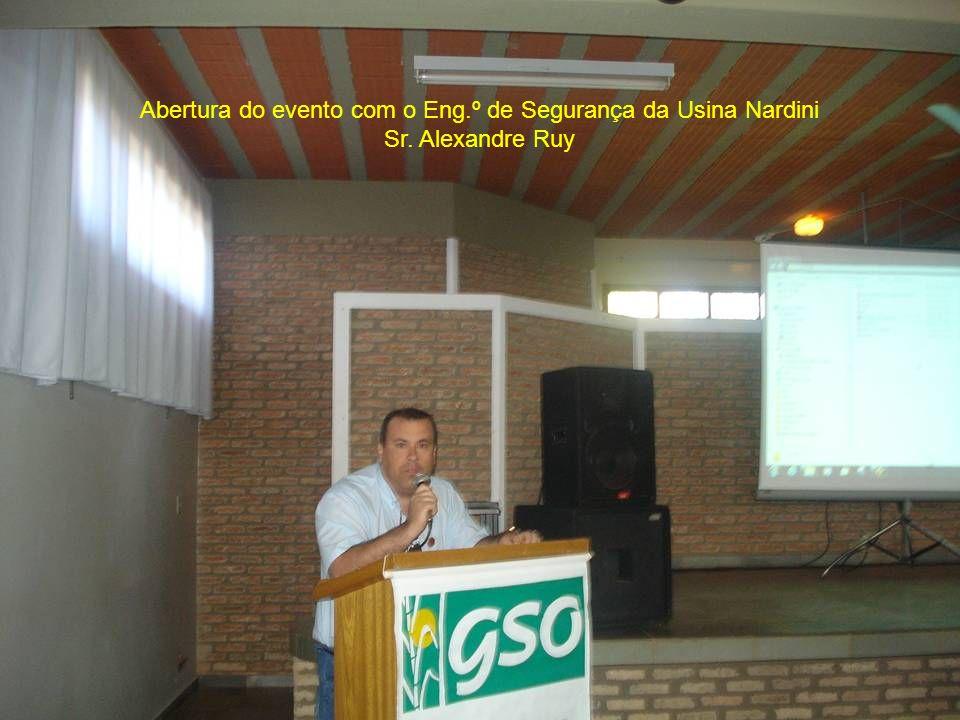 Abertura do evento com o Eng. º de Segurança da Usina Nardini Sr