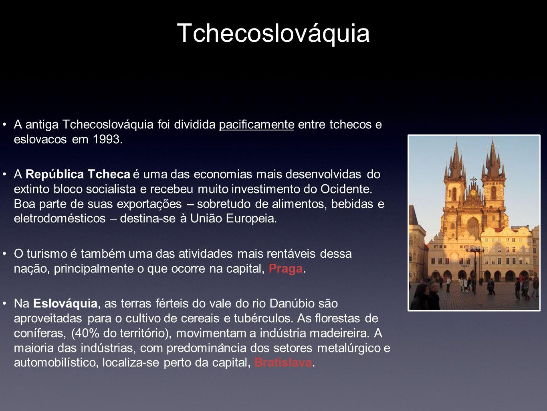 Tchecoslováquia A antiga Tchecoslováquia foi dividida pacificamente entre tchecos e eslovacos em 1993.
