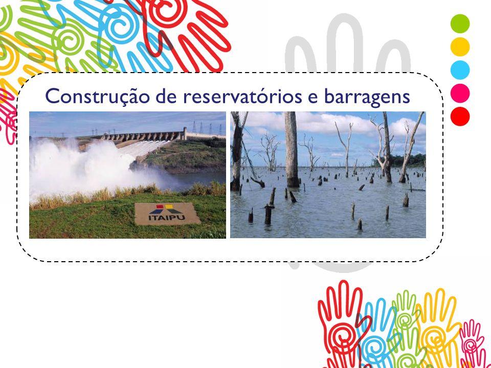 Construção de reservatórios e barragens