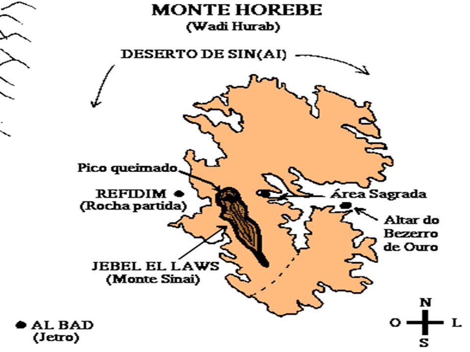 O MONTE SINAI Na verdade uma cadeia de montes que formam um C semelhante a um anfiteatro conforme mostra o mapa abaixo.