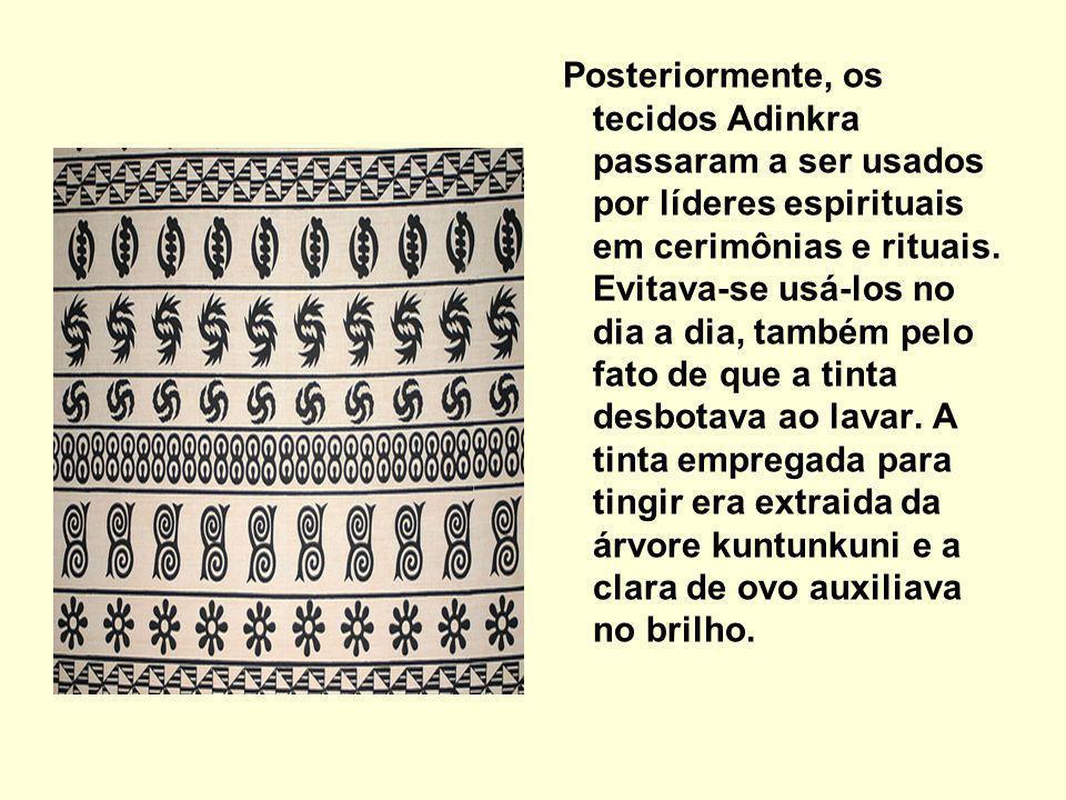 Posteriormente, os tecidos Adinkra passaram a ser usados por líderes espirituais em cerimônias e rituais.