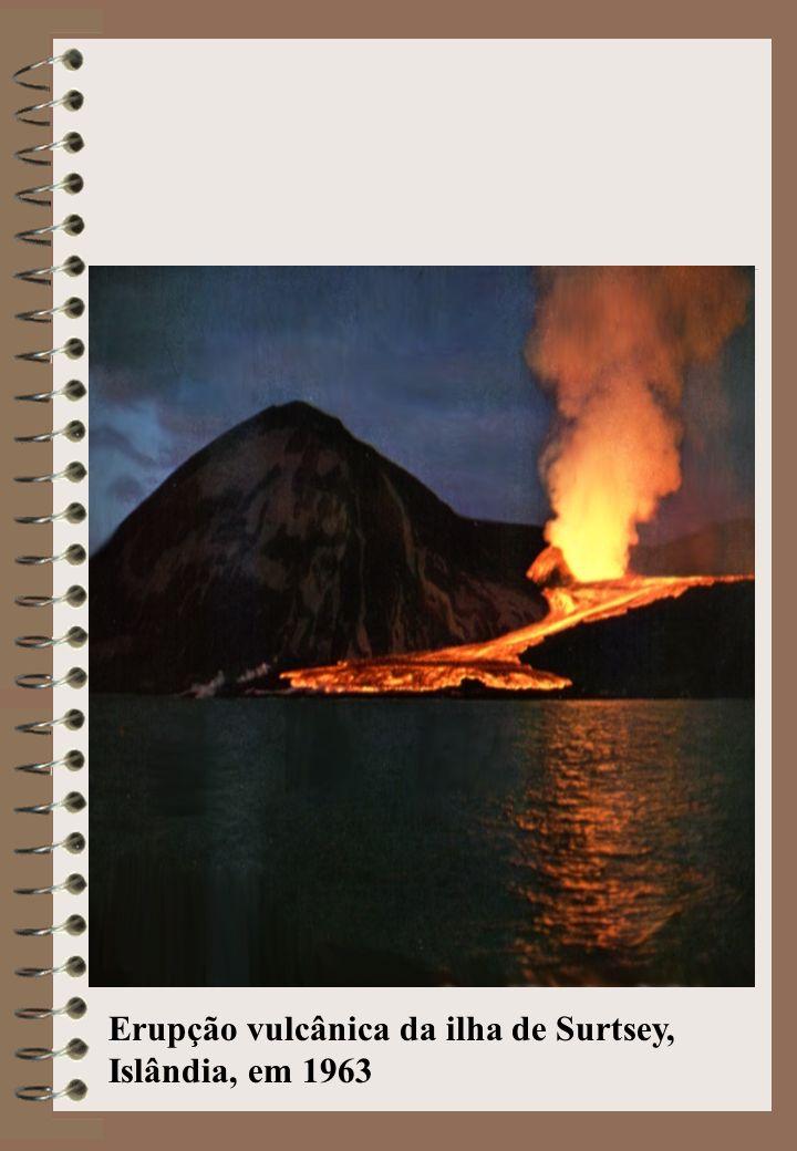 Erupção vulcânica da ilha de Surtsey, Islândia, em 1963