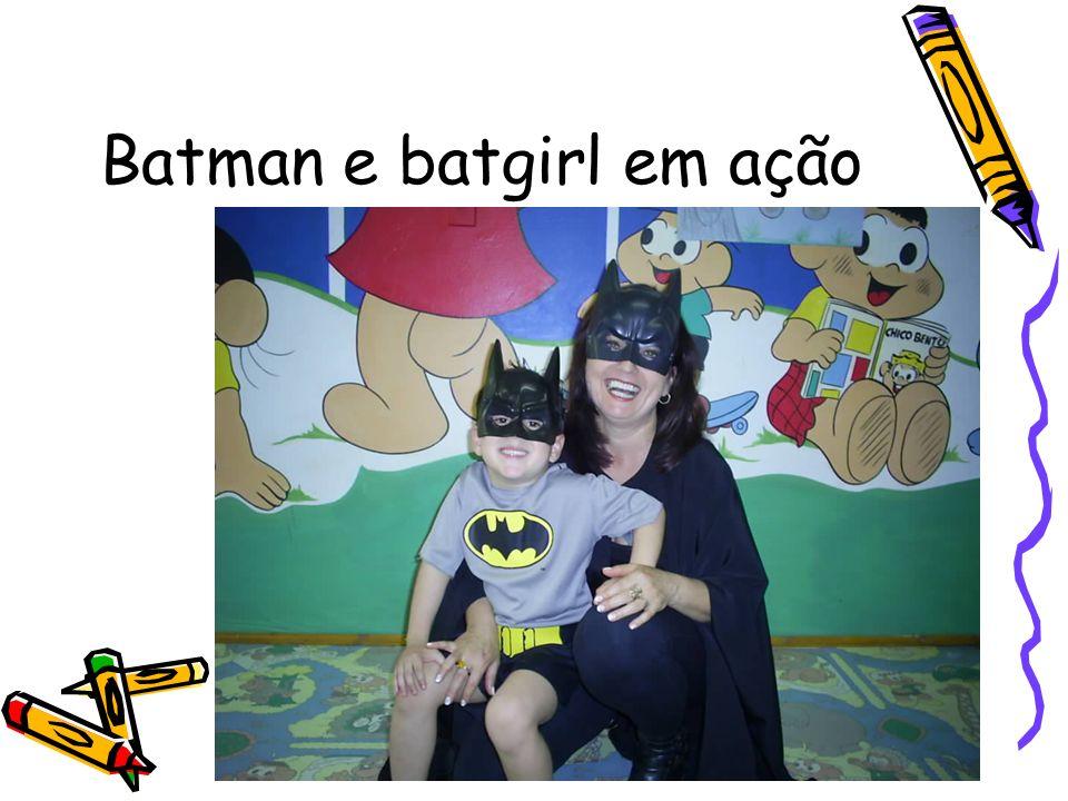 Batman e batgirl em ação