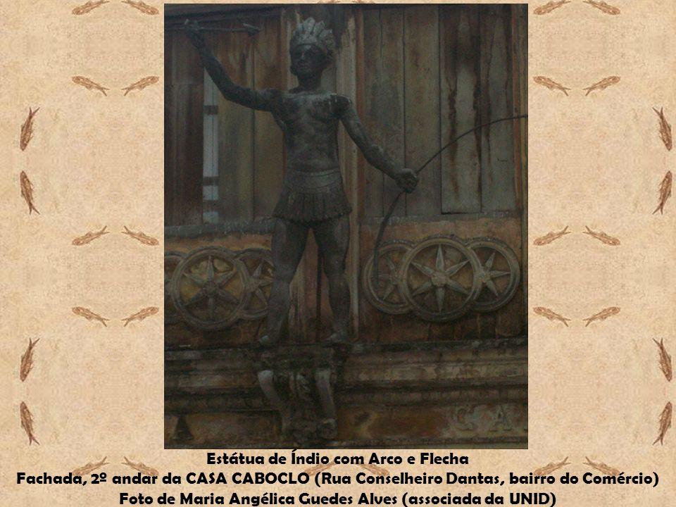 Estátua de Índio com Arco e Flecha