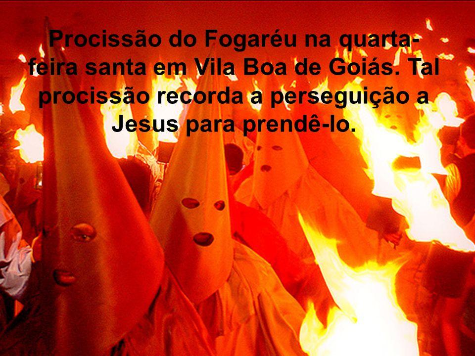 Procissão do Fogaréu na quarta-feira santa em Vila Boa de Goiás
