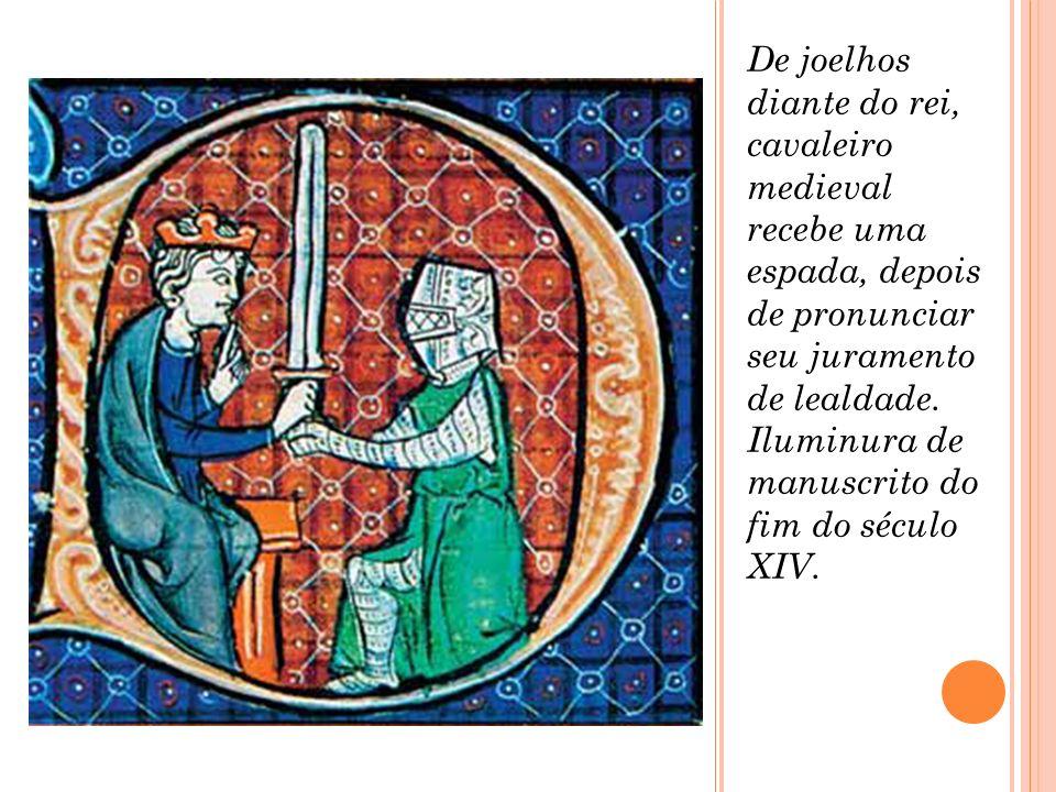 De joelhos diante do rei, cavaleiro medieval recebe uma espada, depois de pronunciar seu juramento de lealdade.