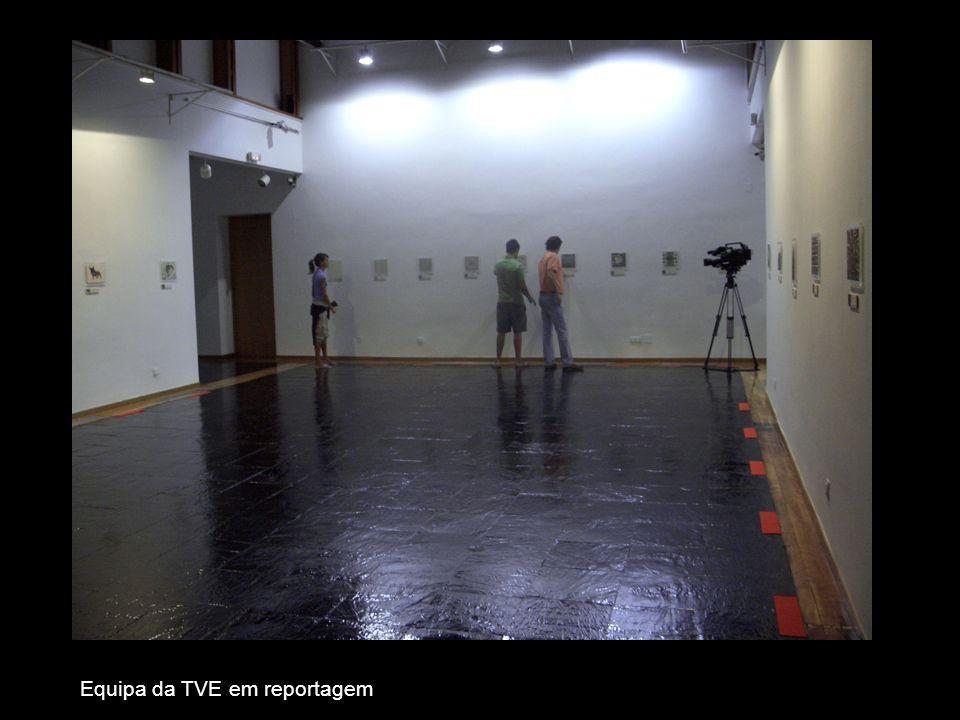 Equipa da TVE em reportagem