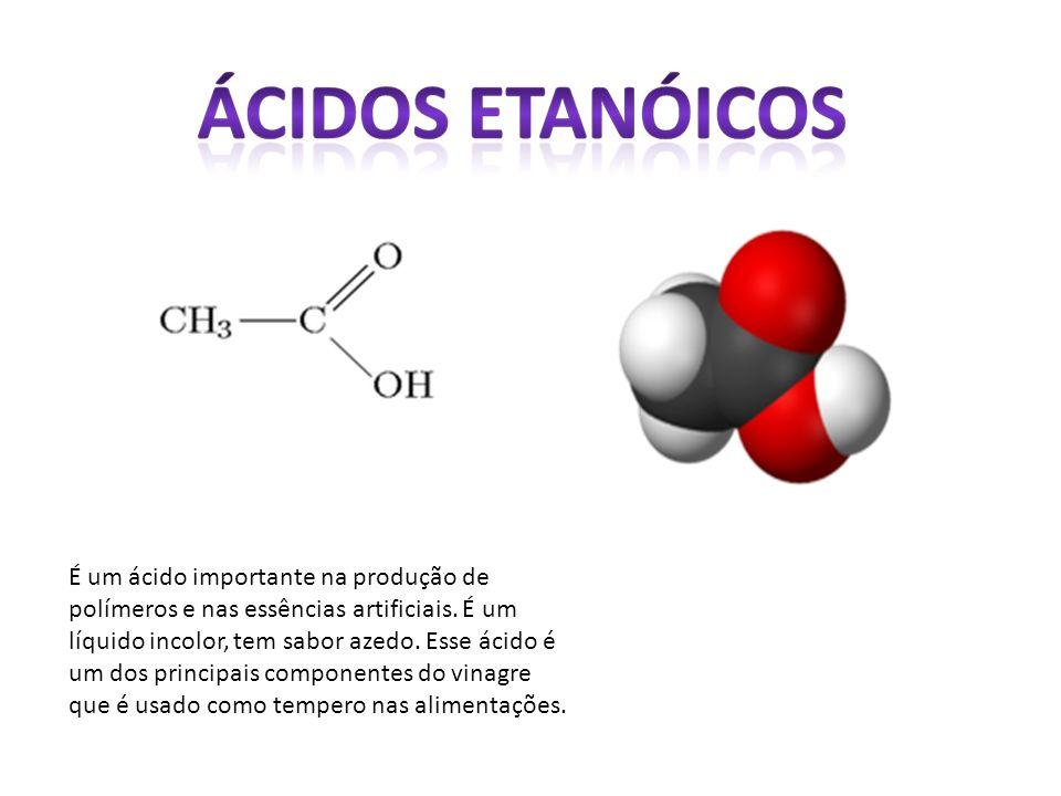 É um ácido importante na produção de polímeros e nas essências artificiais.