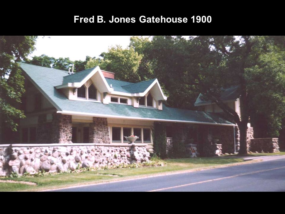 Fred B. Jones Gatehouse 1900