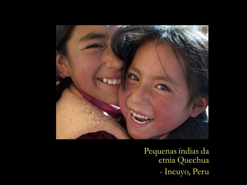 Pequenas índias da etnia Quechua - Incuyo, Peru