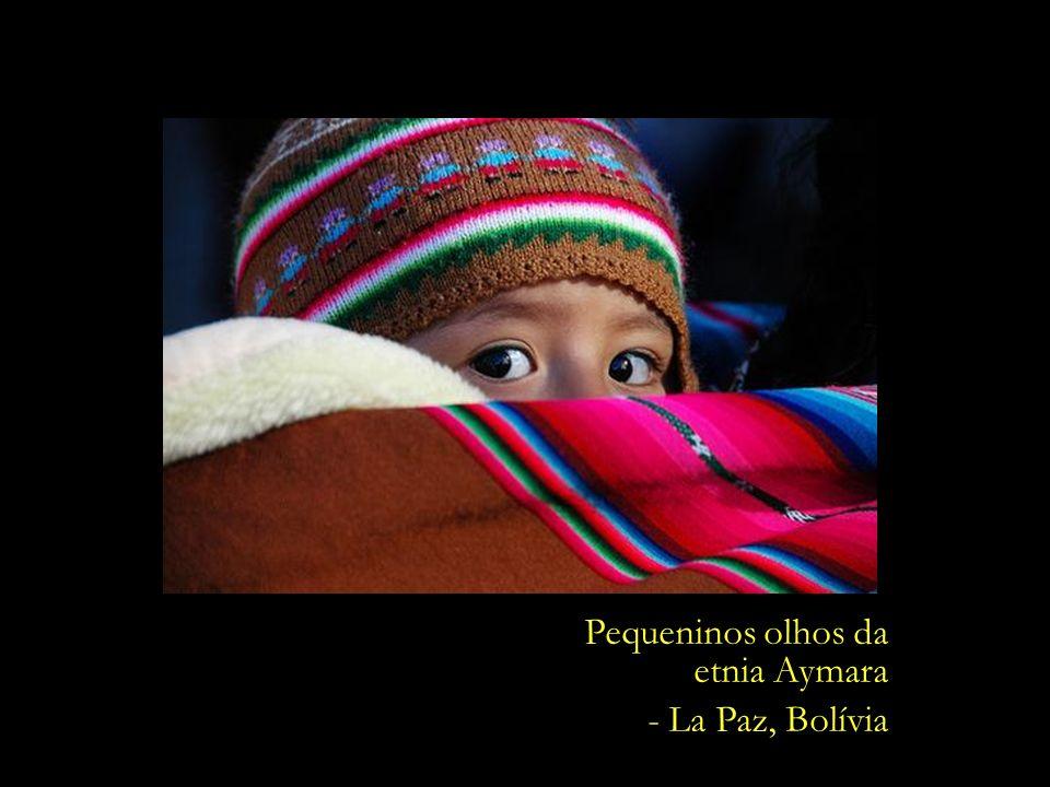 Pequeninos olhos da etnia Aymara - La Paz, Bolívia