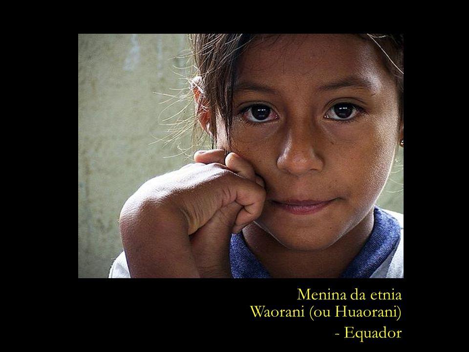 Menina da etnia Waorani (ou Huaorani) - Equador