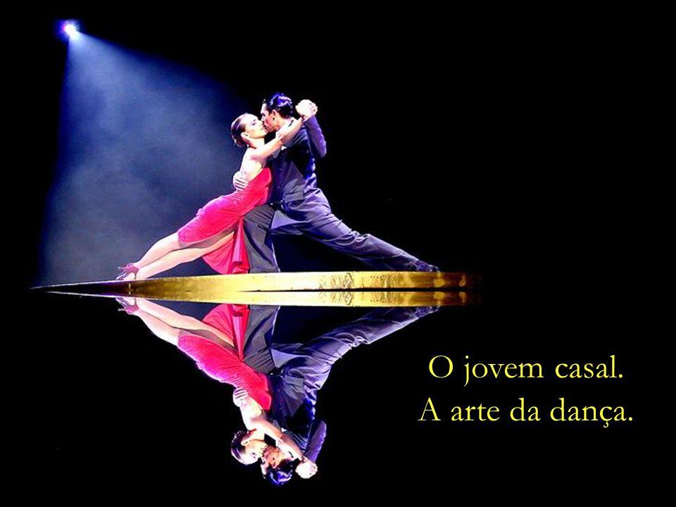 O jovem casal. A arte da dança.