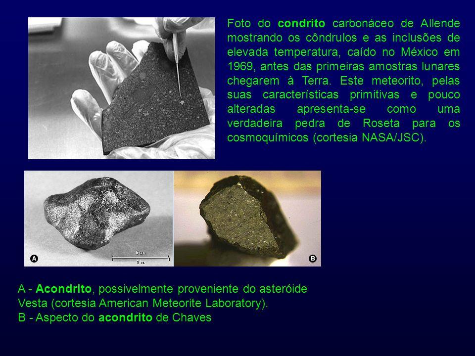 Foto do condrito carbonáceo de Allende mostrando os côndrulos e as inclusões de elevada temperatura, caído no México em 1969, antes das primeiras amostras lunares chegarem à Terra. Este meteorito, pelas suas características primitivas e pouco alteradas apresenta-se como uma verdadeira pedra de Roseta para os cosmoquímicos (cortesia NASA/JSC).
