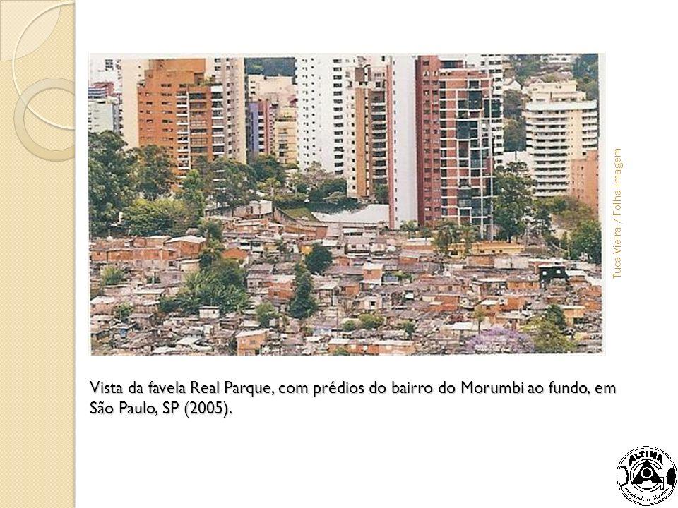 Colocar foto - favela x prédios de luxo
