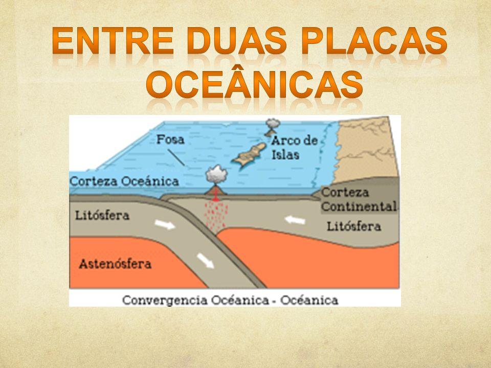 Entre duas placas oceânicas