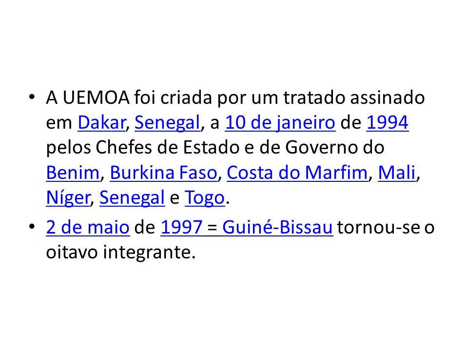 A UEMOA foi criada por um tratado assinado em Dakar, Senegal, a 10 de janeiro de 1994 pelos Chefes de Estado e de Governo do Benim, Burkina Faso, Costa do Marfim, Mali, Níger, Senegal e Togo.