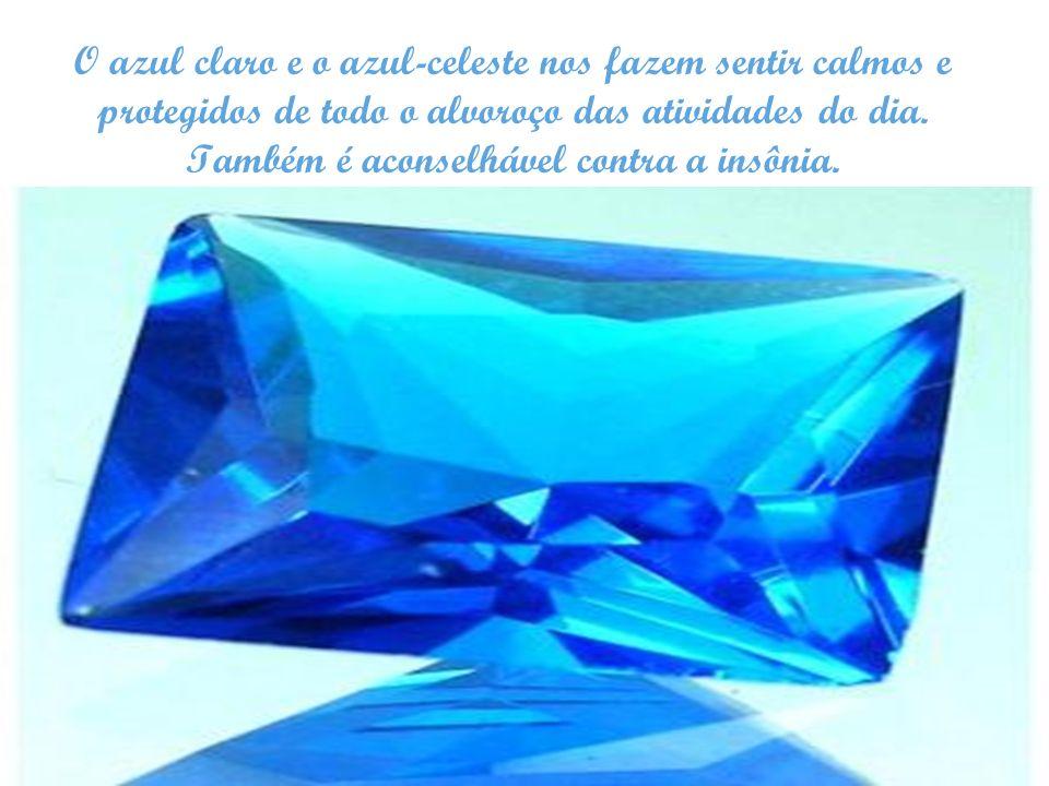 O azul claro e o azul-celeste nos fazem sentir calmos e protegidos de todo o alvoroço das atividades do dia.