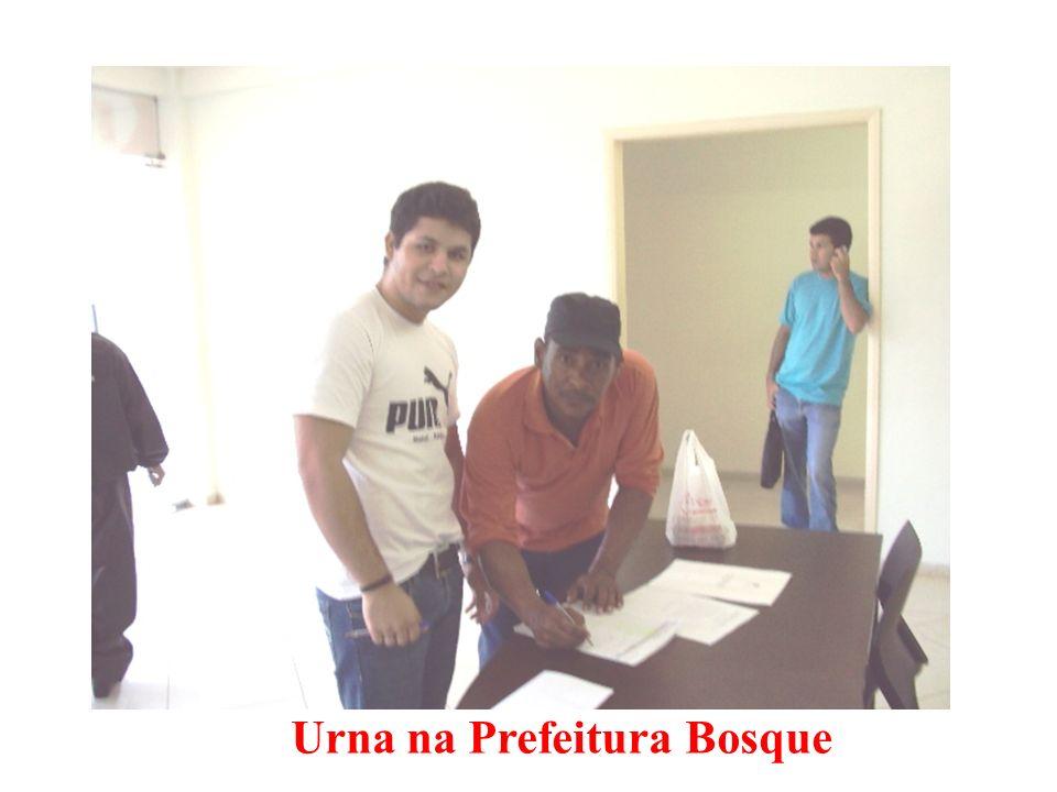 Urna na Prefeitura Bosque