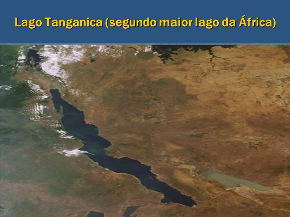Lago Tanganica (segundo maior lago da África)