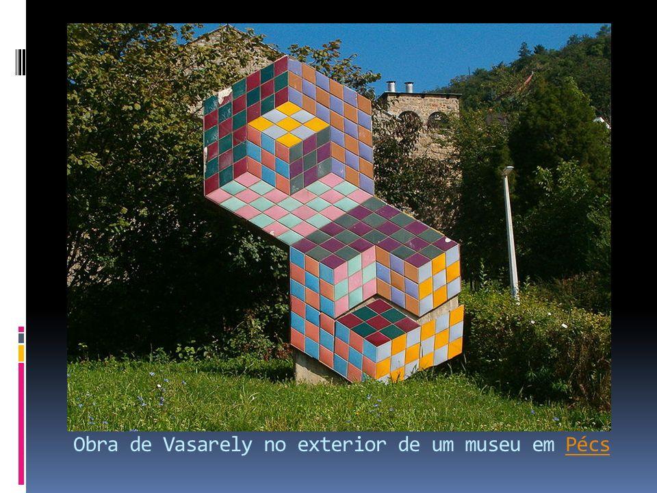 Obra de Vasarely no exterior de um museu em Pécs