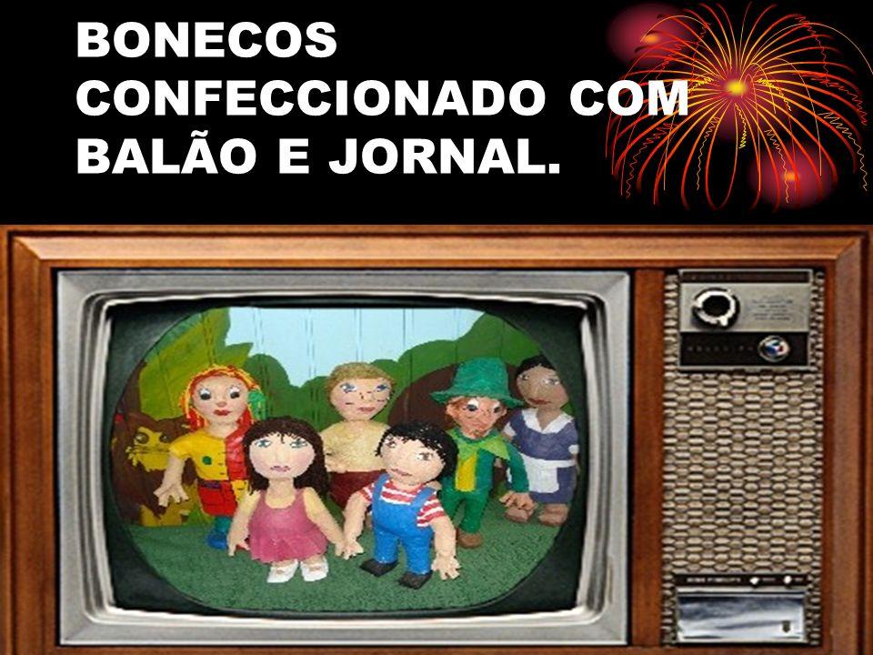 BONECOS CONFECCIONADO COM BALÃO E JORNAL.