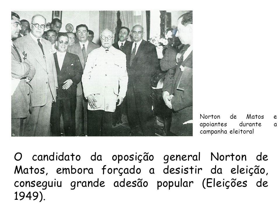 Norton de Matos e apoiantes durante a campanha eleitoral