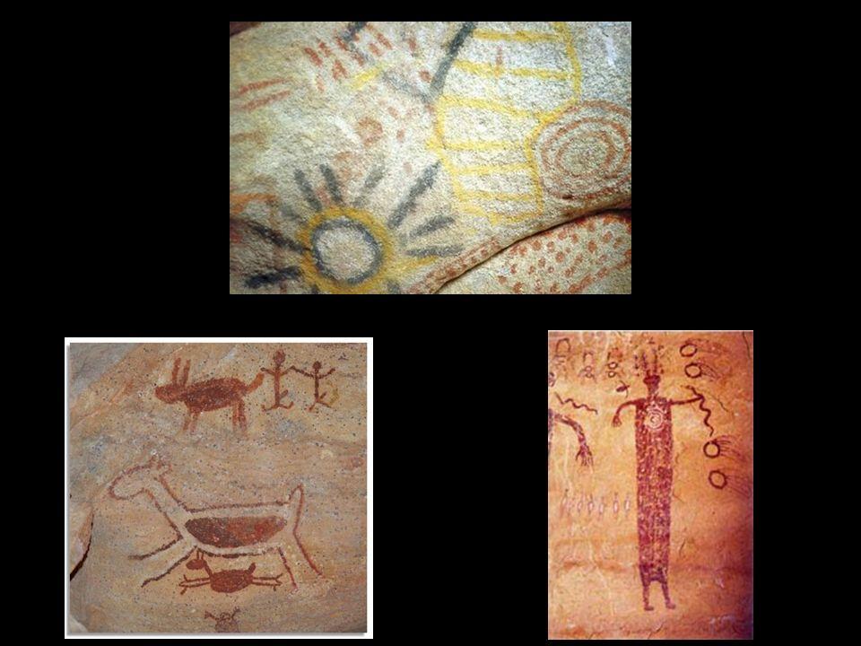 Há desenhos rupestres (inscritos em rochas) que incluem figuras de astros.