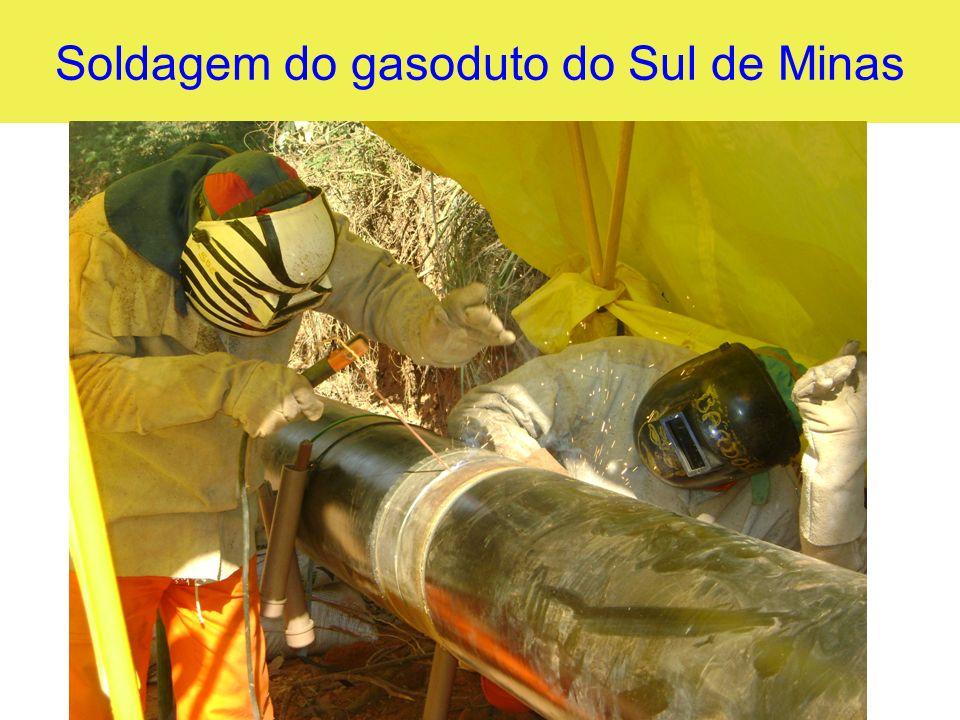 Soldagem do gasoduto do Sul de Minas
