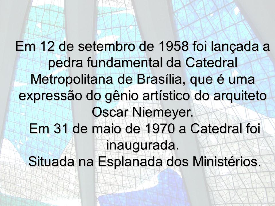 Situada na Esplanada dos Ministérios.