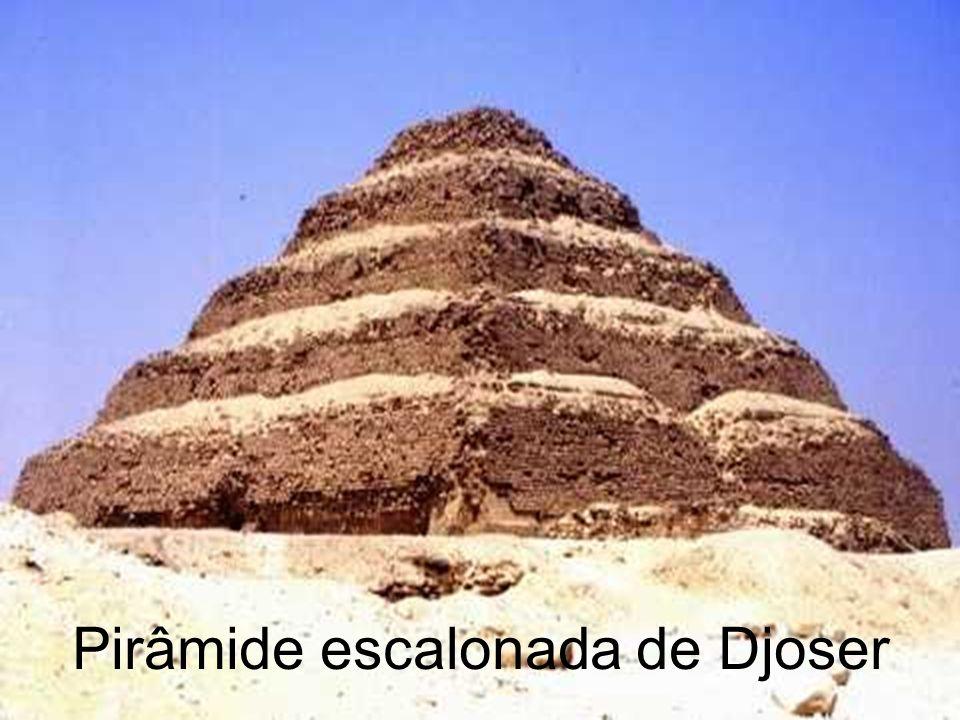Pirâmide escalonada de Djoser