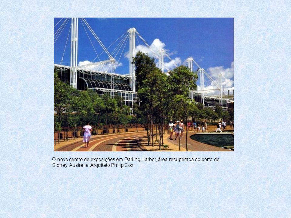 O novo centro de exposições em Darling Harbor, área recuperada do porto de Sidney, Australia.
