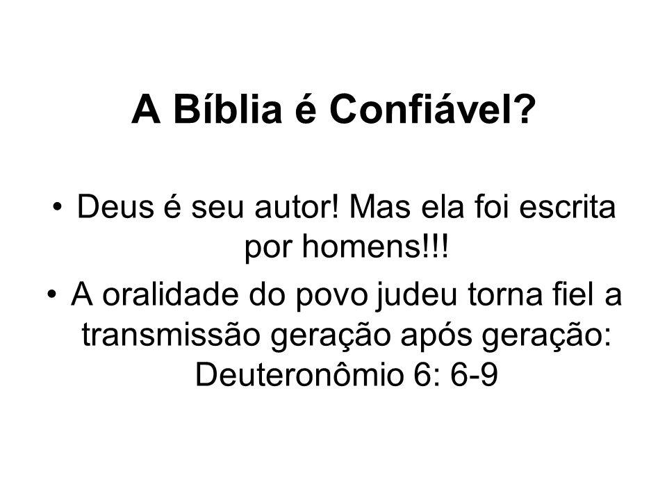 Deus é seu autor! Mas ela foi escrita por homens!!!