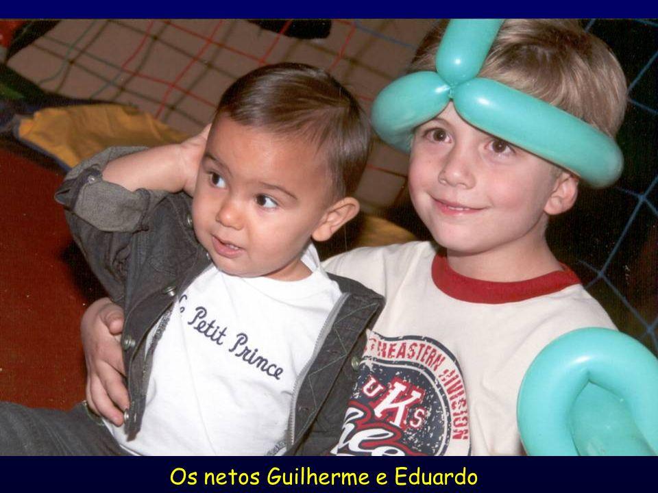 Os netos Guilherme e Eduardo