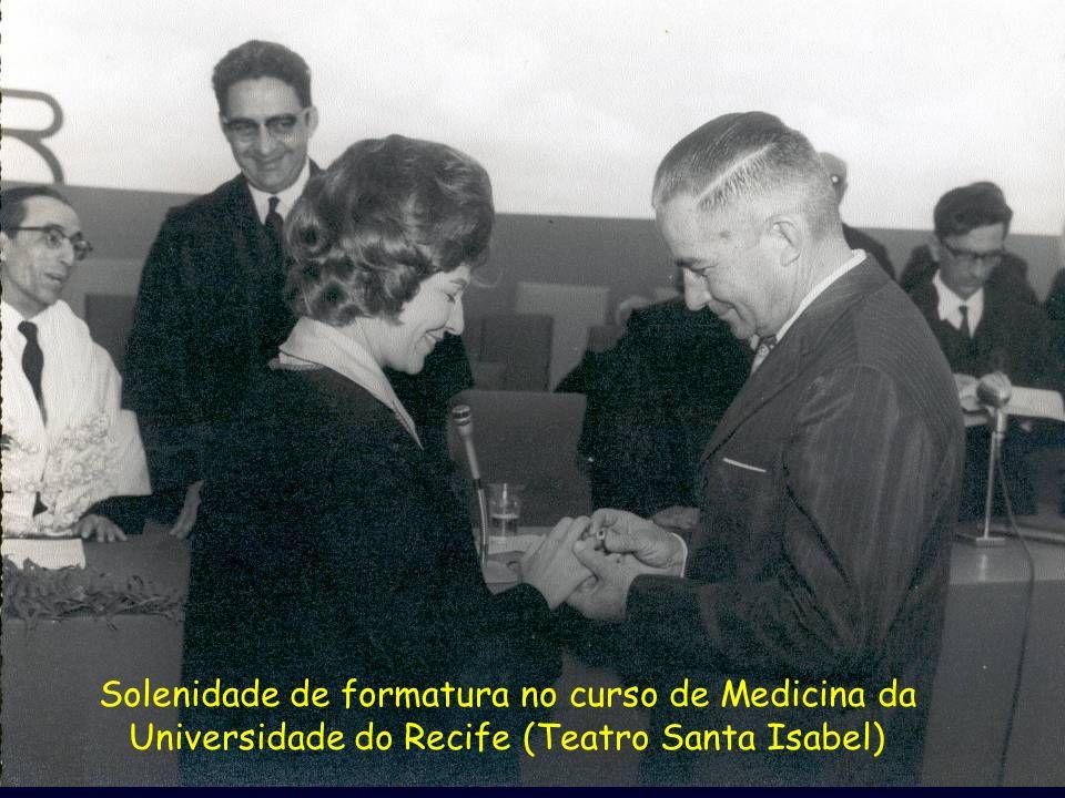 Formatura com seu Pai Solenidade de formatura no curso de Medicina da Universidade do Recife (Teatro Santa Isabel)