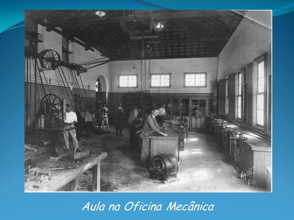 Aula na Oficina Mecânica
