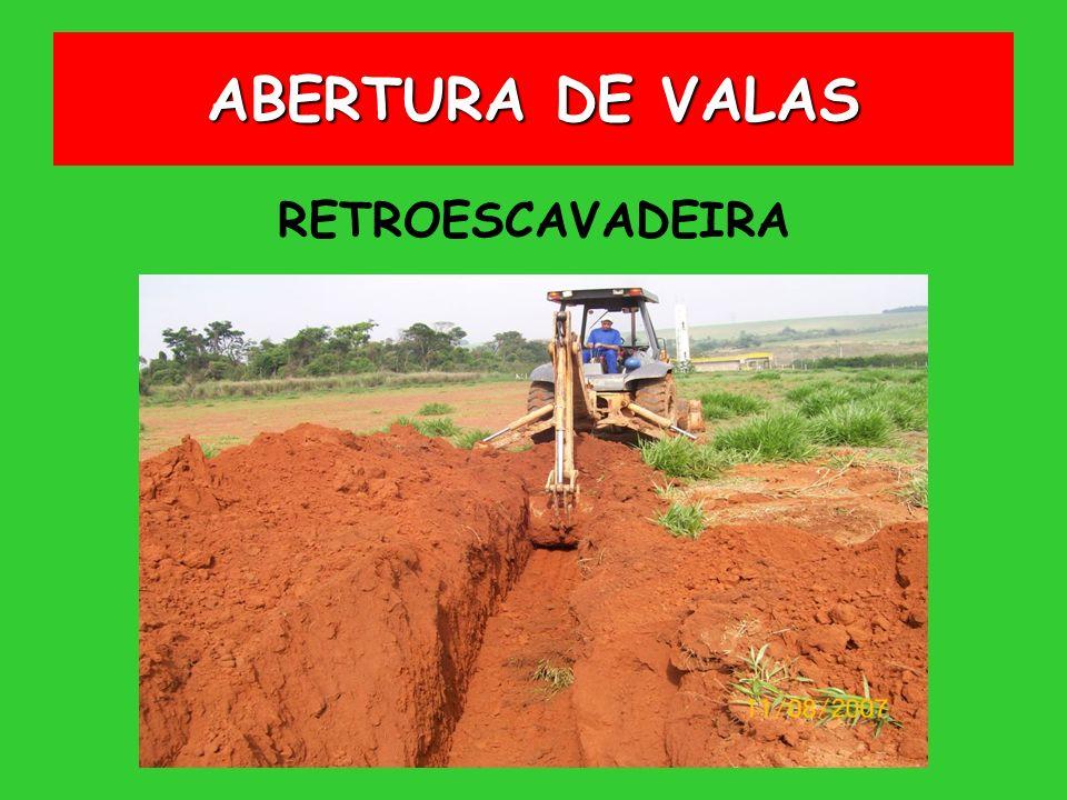 ABERTURA DE VALAS RETROESCAVADEIRA