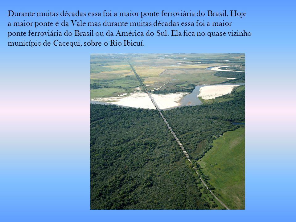 Durante muitas décadas essa foi a maior ponte ferroviária do Brasil