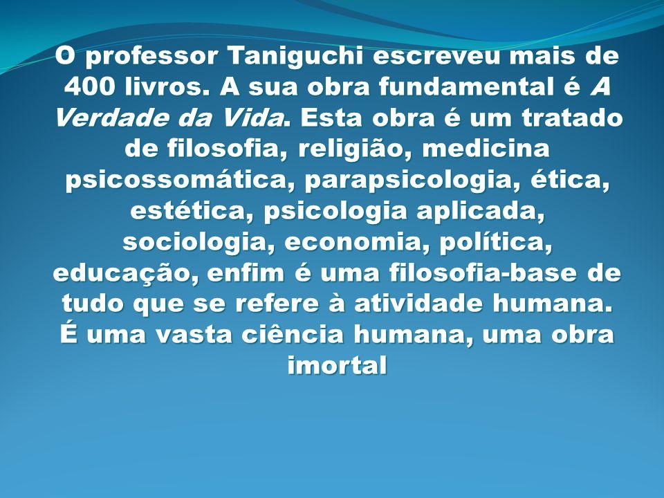 O professor Taniguchi escreveu mais de 400 livros
