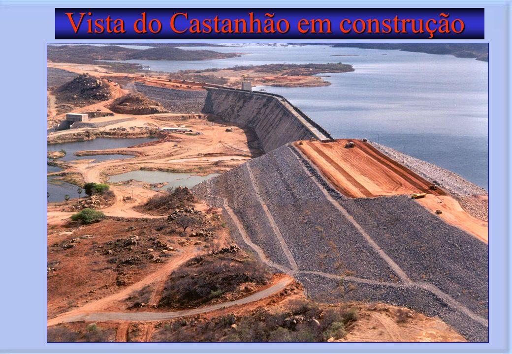 Vista do Castanhão em construção