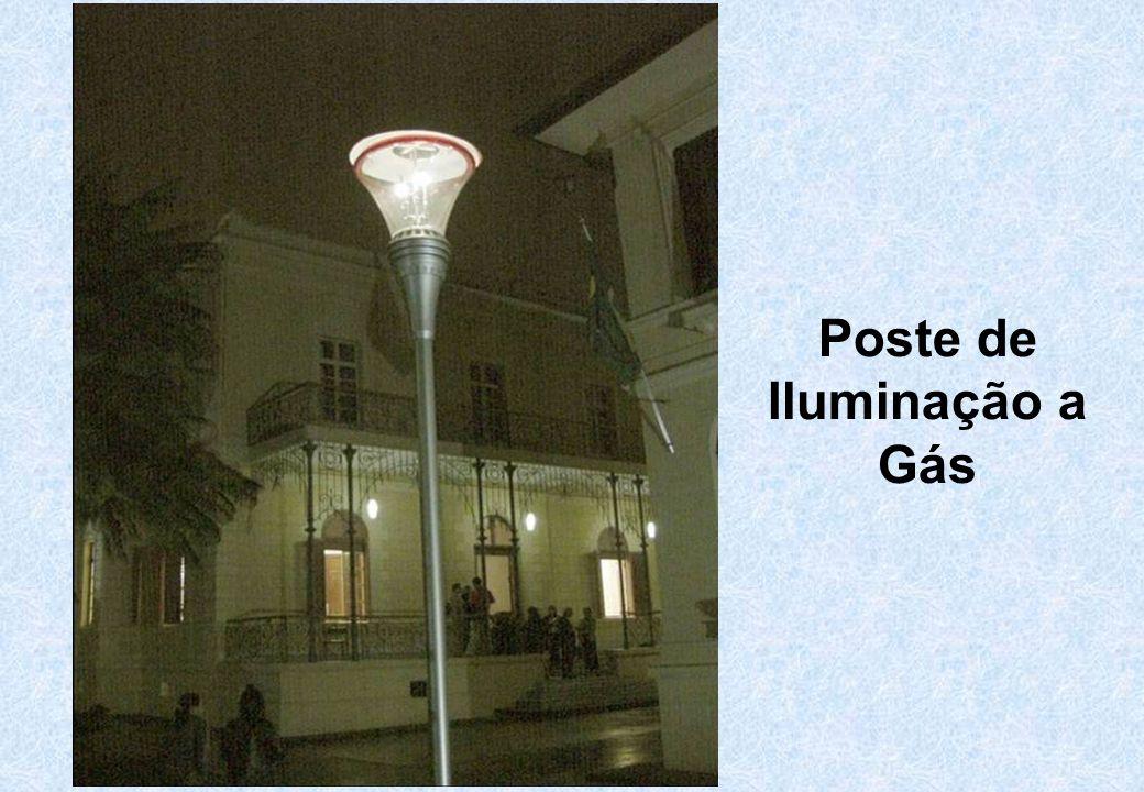 Poste de Iluminação a Gás