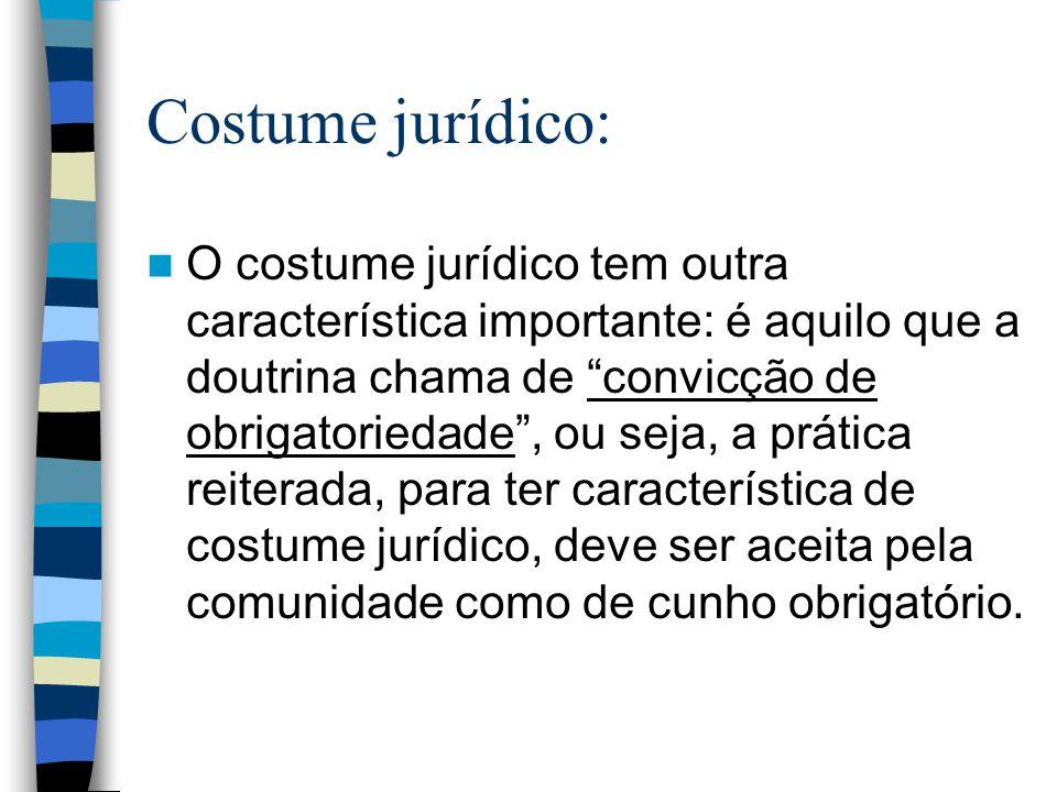 Costume jurídico: