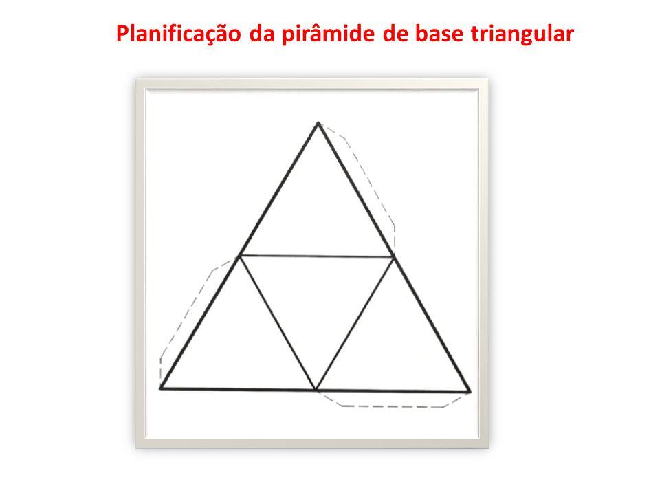 Planificação da pirâmide de base triangular