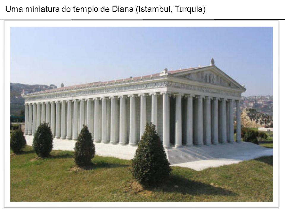 Uma miniatura do templo de Diana (Istambul, Turquia)
