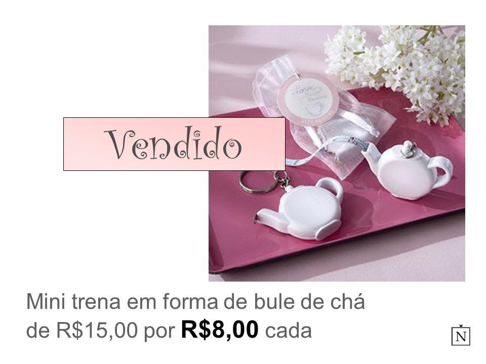 Mini trena em forma de bule de chá de R$15,00 por R$8,00 cada
