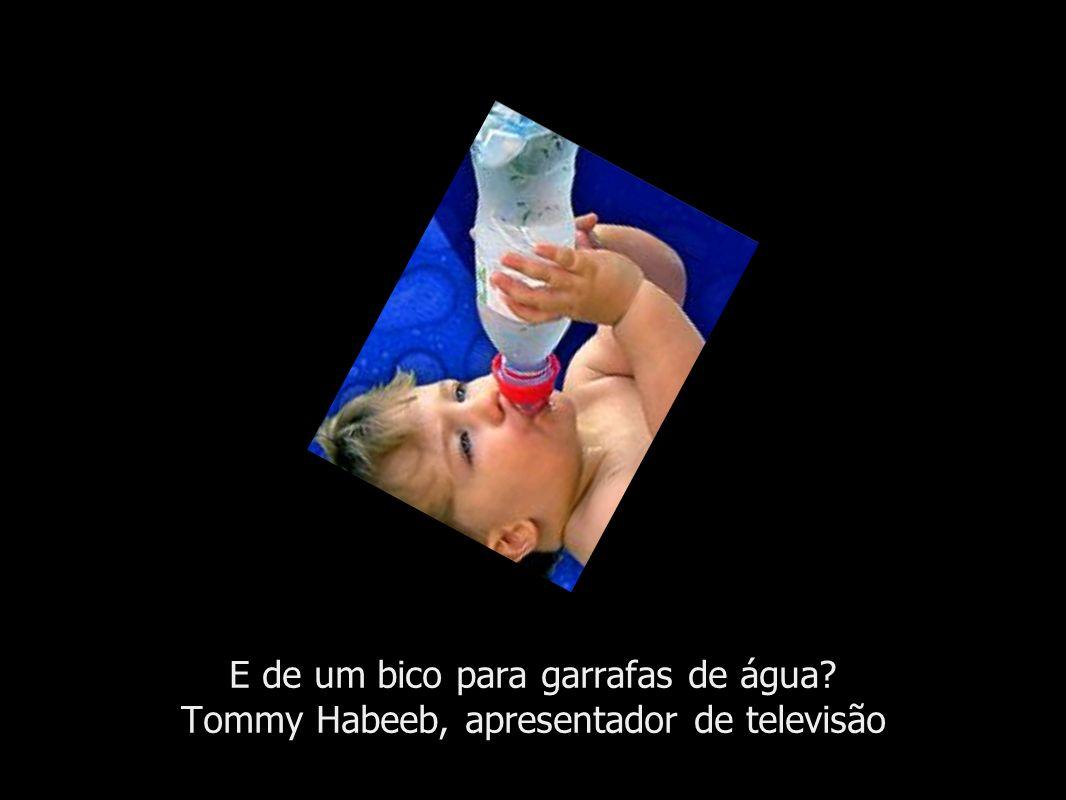 E de um bico para garrafas de água