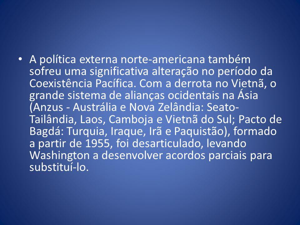 A política externa norte-americana também sofreu uma significativa alteração no período da Coexistência Pacífica.