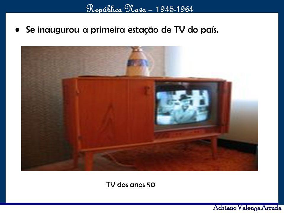 Se inaugurou a primeira estação de TV do país.