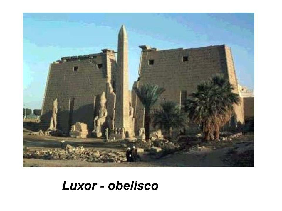 Luxor - obelisco