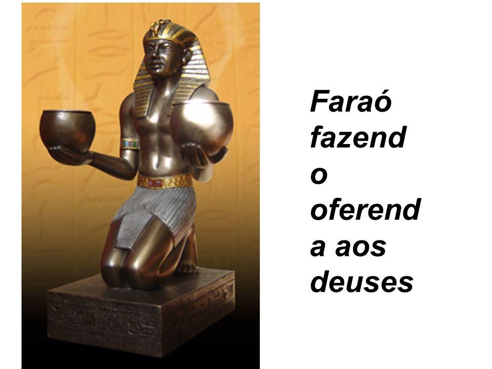 Faraó fazendo oferenda aos deuses